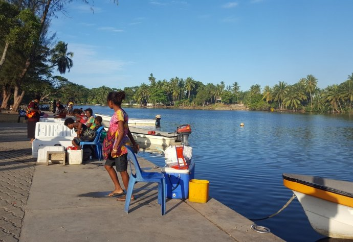 Madang fish market opens again after Covid-19 SoE as fishermen bring their catch to sell. Photo: Ben Bande