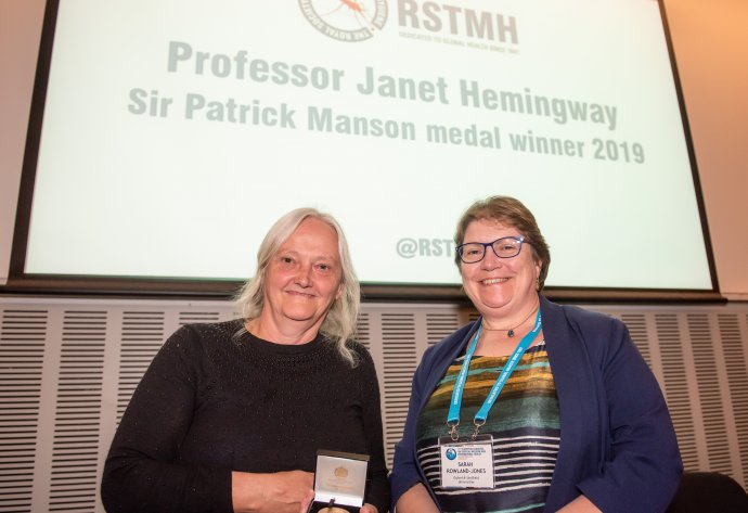 Professor Janet Hemingway receiving the Sir Patrick Manson Medal in 2019