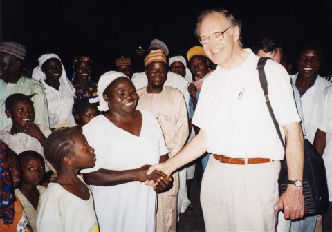 With snakebite victims and their relatives, Zamco, Nigeria, 2006