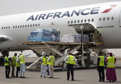 On 5 March 2021, 396,000 doses of COVID-19 vaccines procured by the COVAX Facility arrived at Modibo Keita International Airport in Bamako, Mali. © UNICEF/UN0426388/Dicko